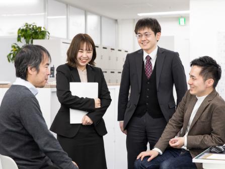 社員同士が仲が良く、いつも笑顔が溢れる職場です